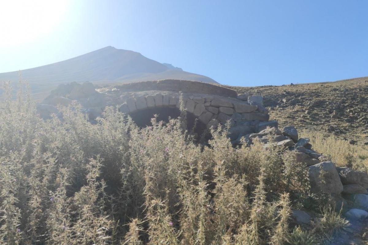 Erciyes'teki gizemli tarihi defineciler talan etti