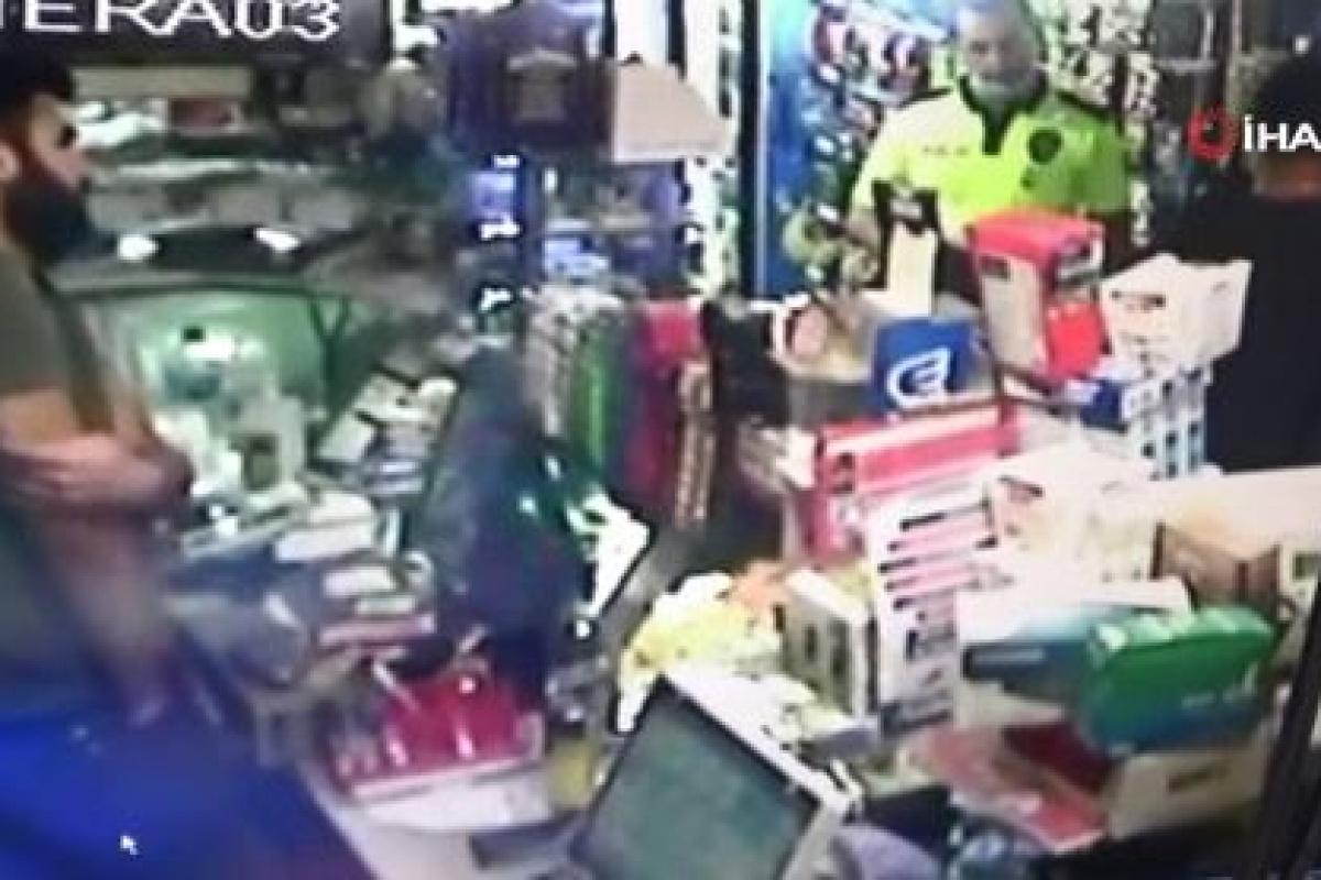 Kimlik göstermeyip polise bıçak çeken şüpheli, vurularak etkisiz hale getirildi