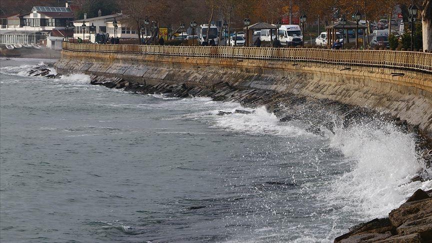 Marmara Denizi'nde poyraz etkisini sürdürüyor