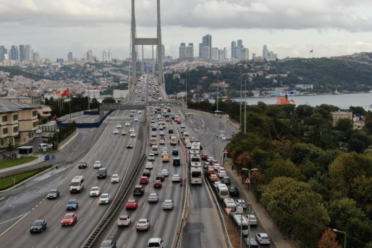 İstanbul'da trafik başladı, yoğunluk yüzde 60'ı gördü