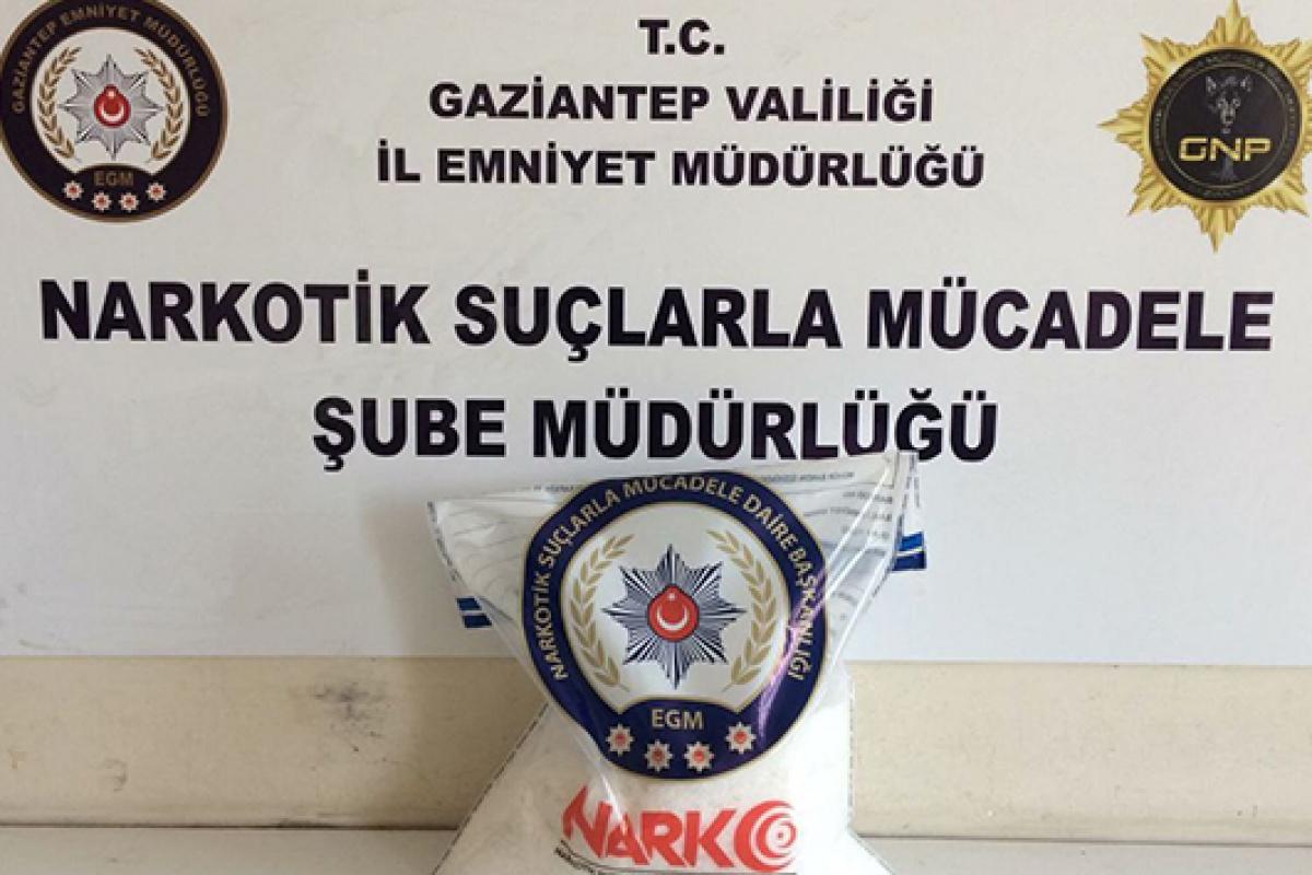 Gaziantep'te 8 kilo metamfetamin ele geçirildi: 2 gözaltı