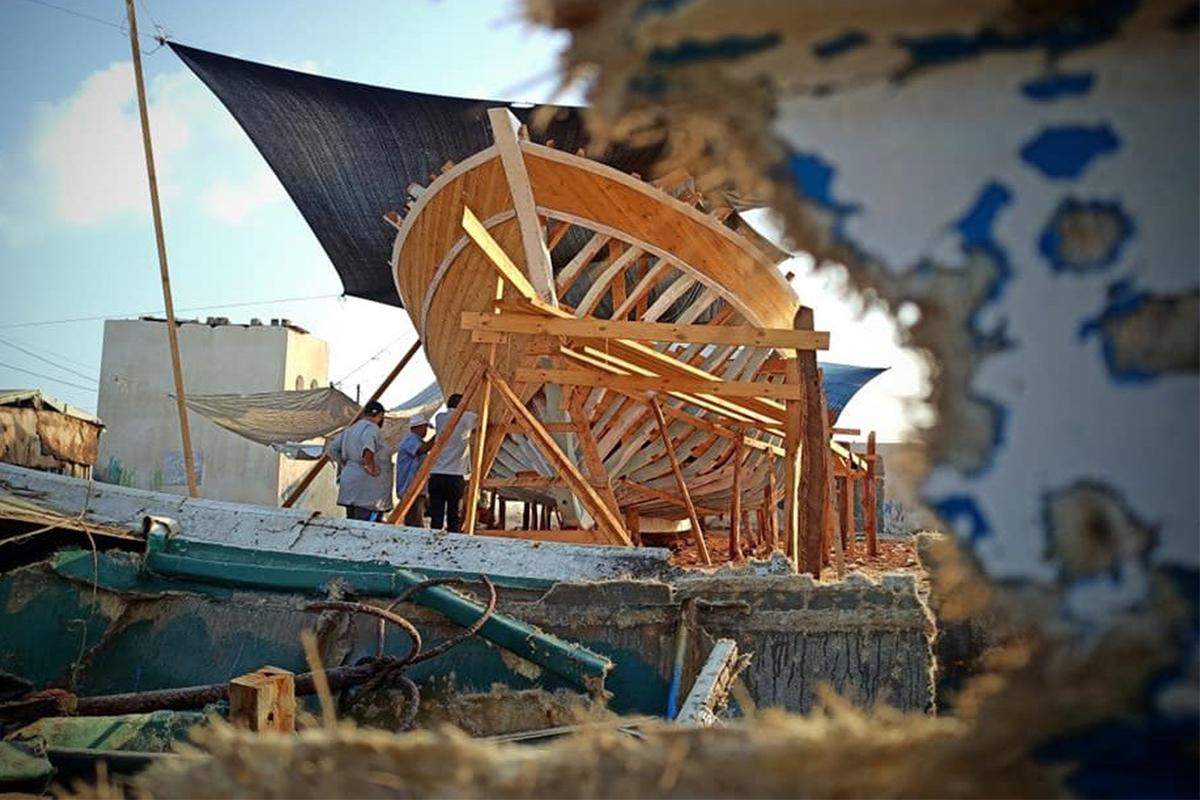 Gazze Şeridi'nde en büyük balıkçı teknesinin yapım çalışmaları sürüyor