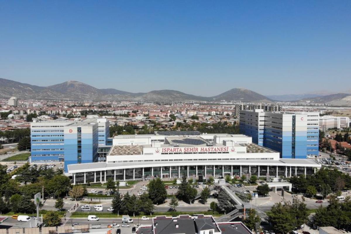 Isparta Şehir Hastanesi 4,5 yılda sınırları aştı, 6 milyon 860 bin hastaya hizmet verdi