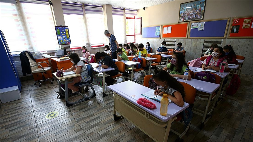 MEB, 15 bin öğretmen ataması için takvimi açıkladı