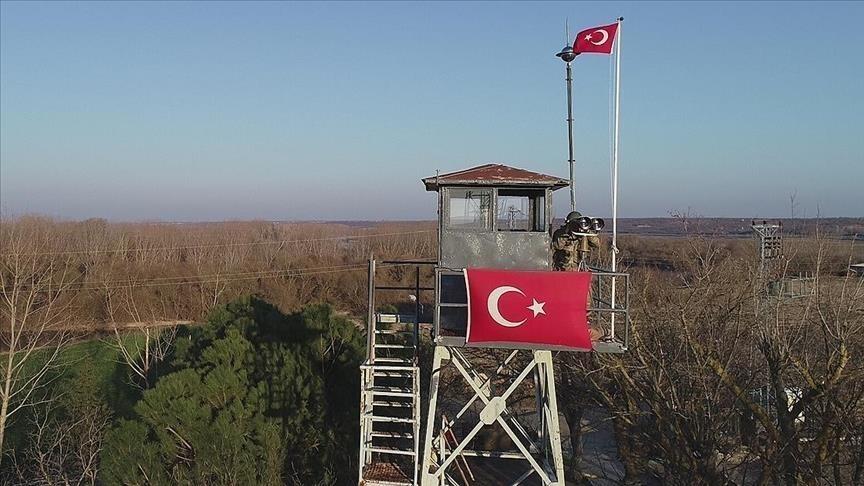 Yunanistan'a kaçmaya çalışan 9'u FETÖ mensubu 11 kişi Edirne'de yakalandı