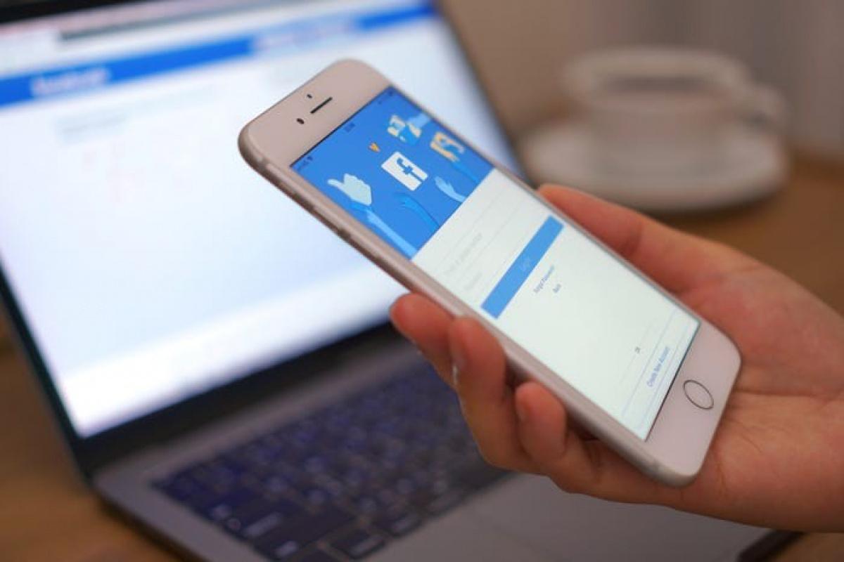 Facebook kullanıcıları mobil cihazları tercih ediyor