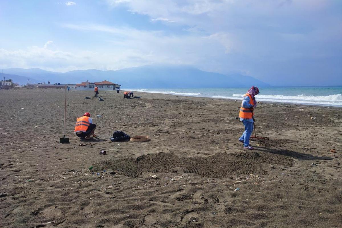 Samandağ'da petrol temizliği 10 gündür sürüyor