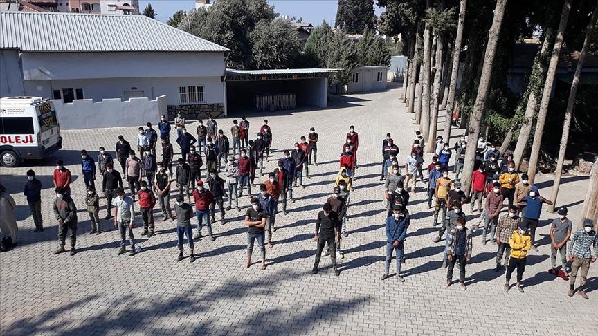Hatay'da 187 düzensiz göçmen yakalandı