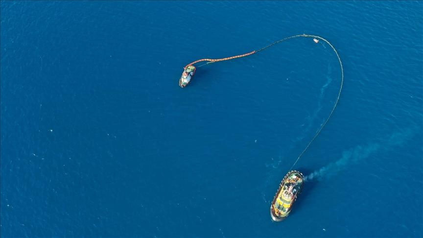 Akdeniz'de petrol kirliliğine karşı 20 bin kilometrekare alan tarandı