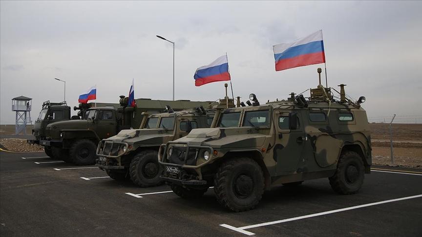 Azerbaycan, Rusya'dan diğer ülkelere ait araçların Karabağ'a geçişini önlemesini istedi