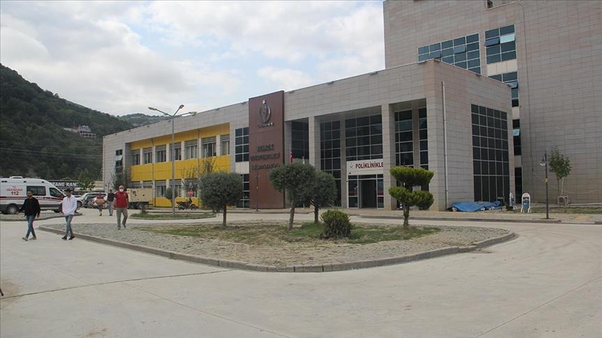 Selden zarar gören Ayancık Devlet Hastanesi tüm birimleriyle hizmet vermeye başladı