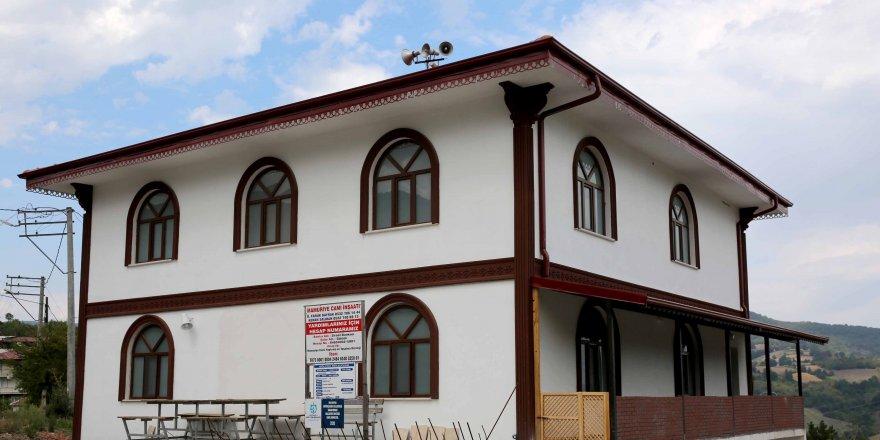 Yeni cami Mamuriye'ye çok yakıştı