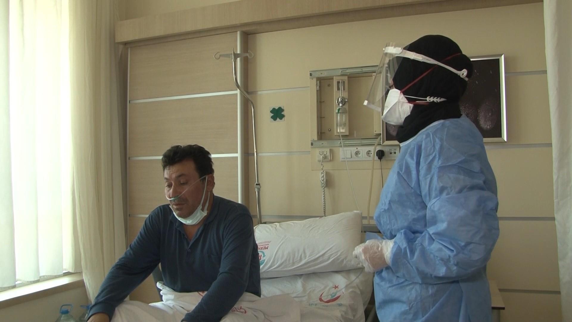 Virüsü önemsemeyen Covid-19 hastası: 'Yalvarıyorum milletimize, herkes aşısını vurulsun'