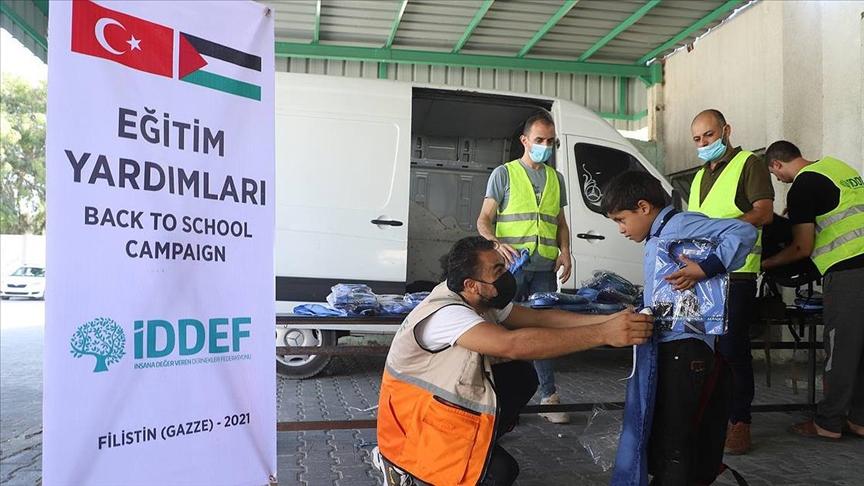 İDDEF'ten öğrencilere eğitim yardımı