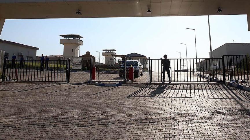 Ceza infaz kurumunda bulunan çocukların ziyaretçileri ile görüşmelerinde uygulanan kapalı görüş usulüne son verildi