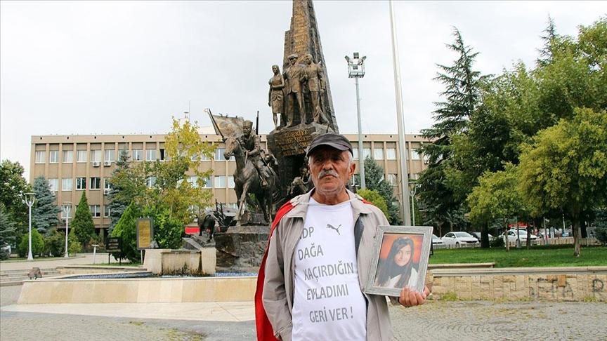 Kızı PKK tarafından kaçırılan baba, İzmir'den Ankara'ya yaptığı umut yürüyüşünde Uşak'a ulaştı
