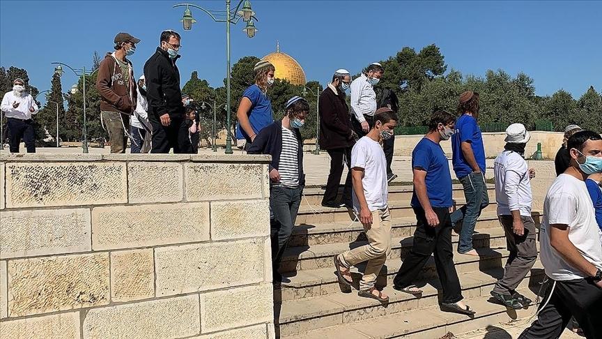İsrail polisi eşliğindeki 257 fanatik Yahudi, Mescid-i Aksa'ya baskın yaptı