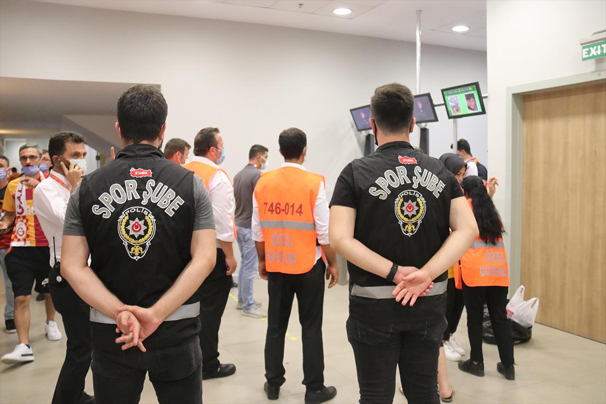 Başkasına ait HES kodu ile maçlara girmeye çalışan toplam 95 kişi yakalandı
