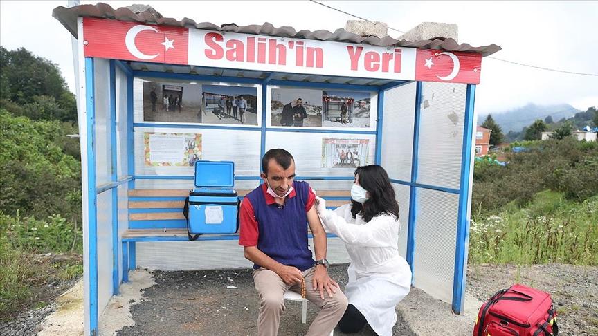 Gürgentepeli Salih kendisi için konulan durakta aşılandı