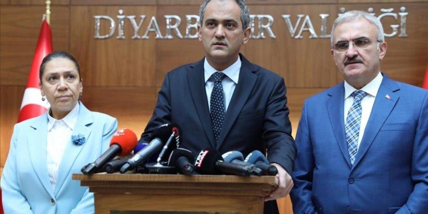 Milli Eğitim Bakanı Özer: Bugün itibarıyla yüz yüze eğitime ara veren hiçbir okulumuz bulunmamaktadır