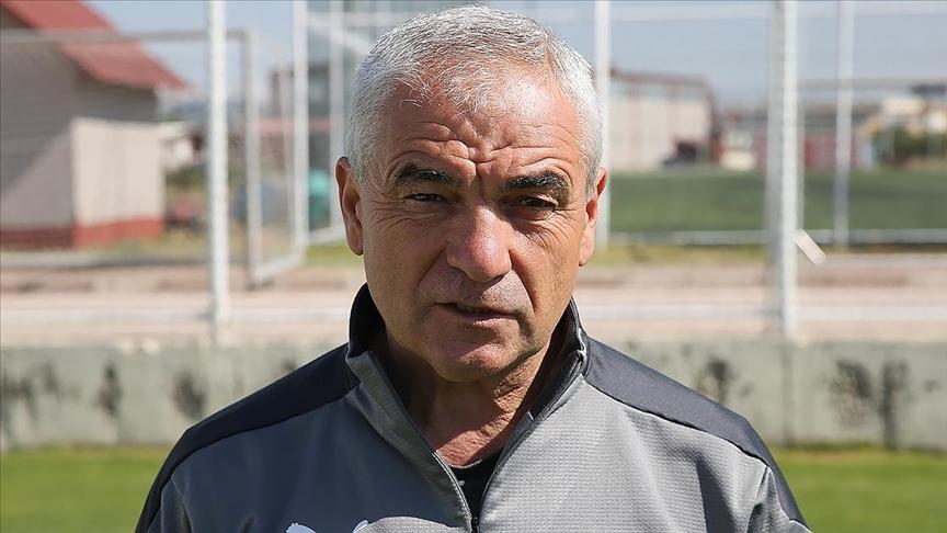 Sivasspor Teknik Direktörü Rıza Çalımbay'dan taraftara aşı çağrısı: