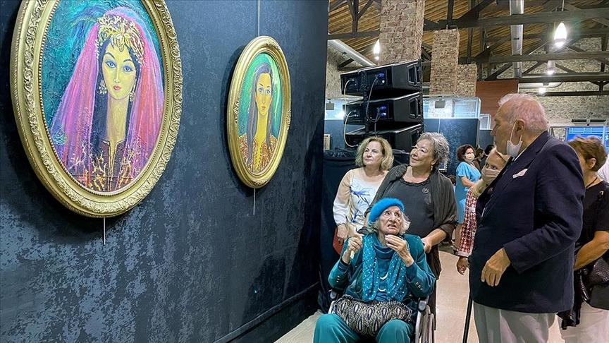 'Sultanların Ressamı' şehit çocukları için sergi açtı