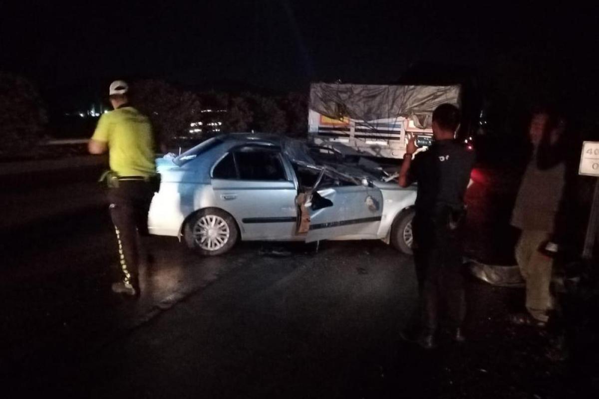 Otomobil ve TIR çarpıştı, 2 yaşındaki çocuk öldü