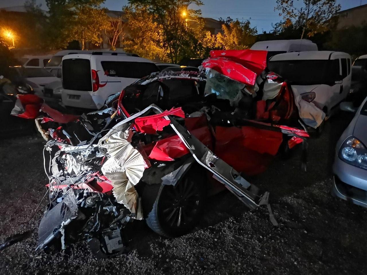 Gebze'de trafik Kazasında otomobilin sürücüsü öldü