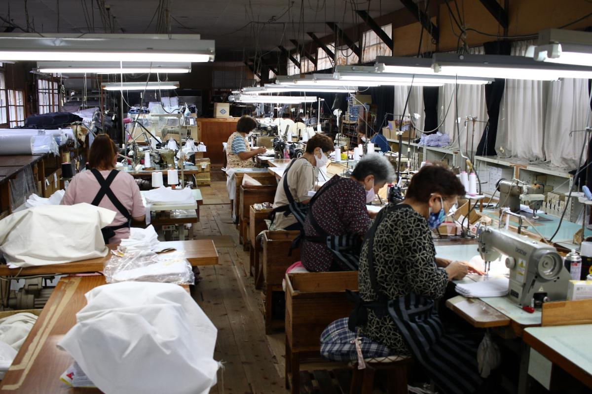 Japonya'daki 114 yıllık fabrika, samuray ve ninja ayakkabıları üretiyor