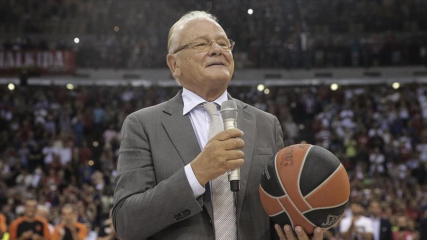 Anadolu Efes'in eski başantrenörü Dusan Ivkovic 77 yaşında öldü