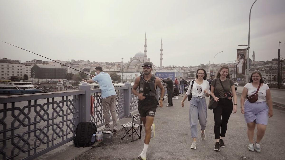 Almanya'dan Türkiye'ye 2 bin 250 kilometre koşan Çılgın Türk: 'Mutlu ve gururluyum'