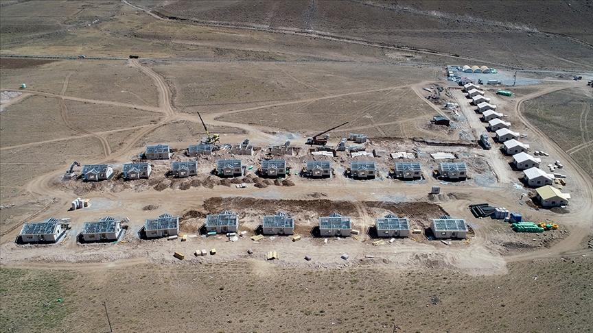 Başkaleli depremzedeler devletin yaptırdığı konutlarla sıcak yuvaya kavuşacak