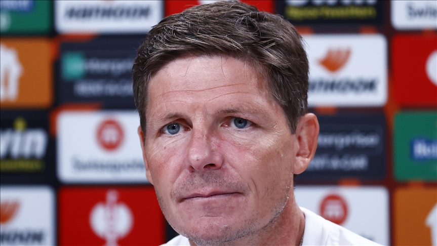Eintracht Frankfurt Teknik Direktörü Oliver Glasner: Penaltıyı kurtardığı için Kevin'e teşekkür etmemiz gerekiyor