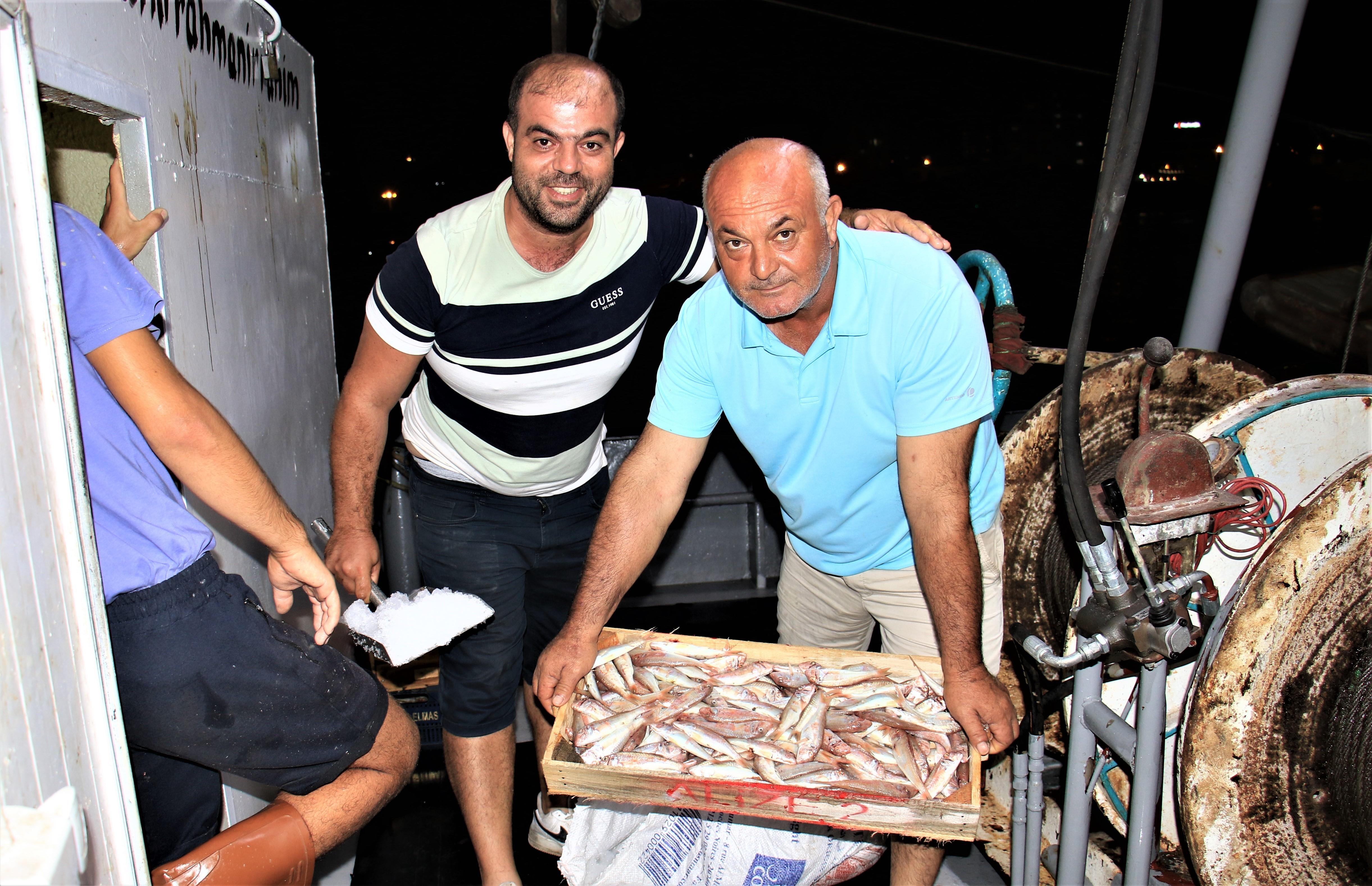 Akdeniz'den balıkçılar ilk avları ile dönmeye başladı