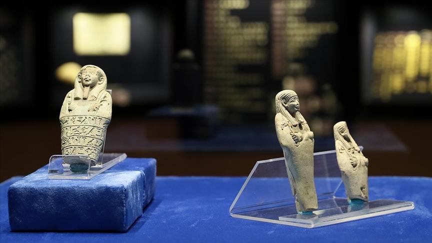 Mısır'ın 'Uşabti' heykelcikleri İzmir'de ilk kez ziyarete açıldı