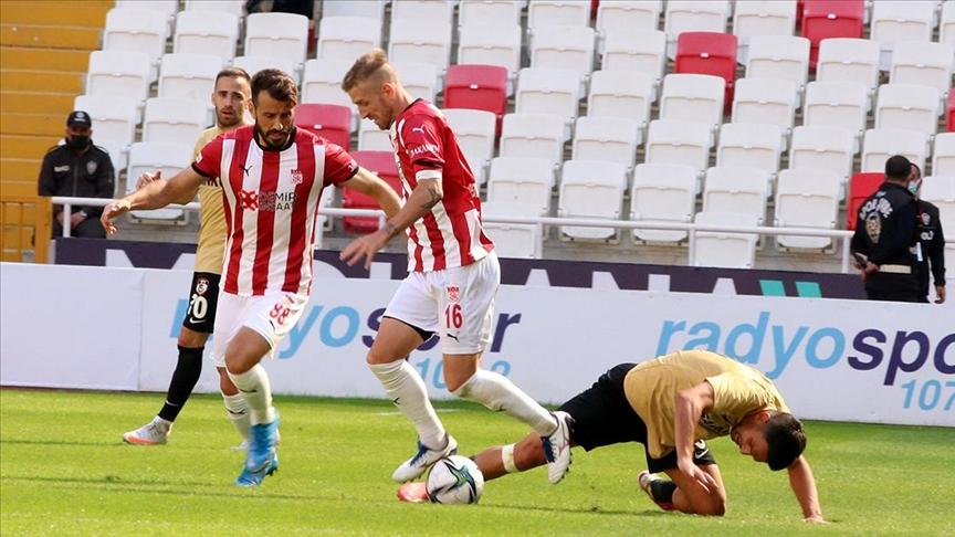 Sivasspor Gaziantep ile puanları paylaştı