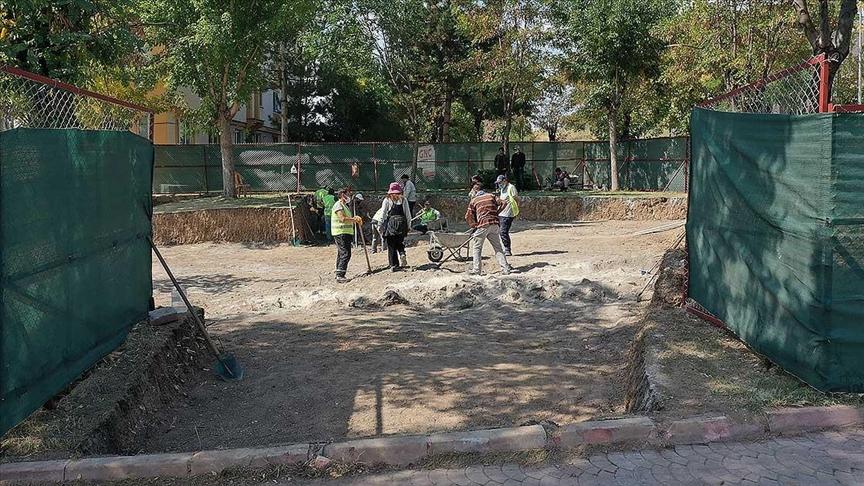 Aziz Vlas'ın mezarının çevresinde Orta Çağ'a ait izler aranıyor