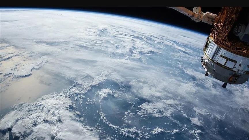 Çin Tiencou-3 kargo mekiğini uzay istasyonuna yolladı