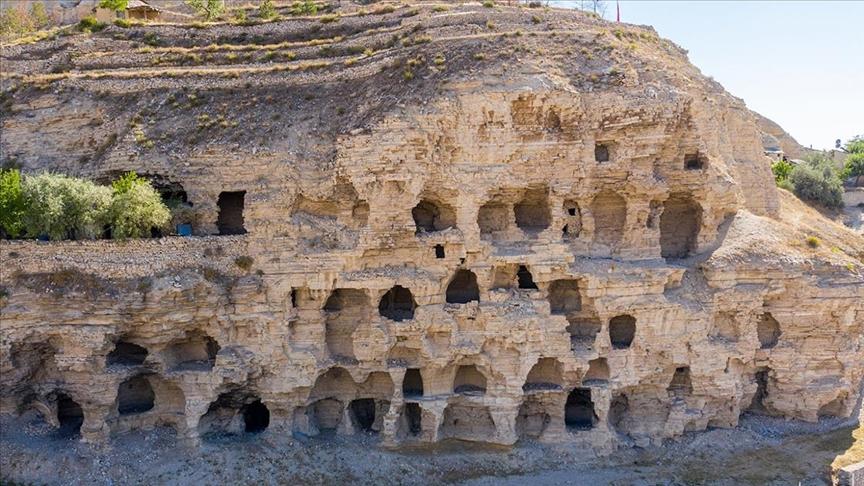 Sivas'ta Hititler dönemine ait 'apartmanlar' keşfedilmeyi bekliyor