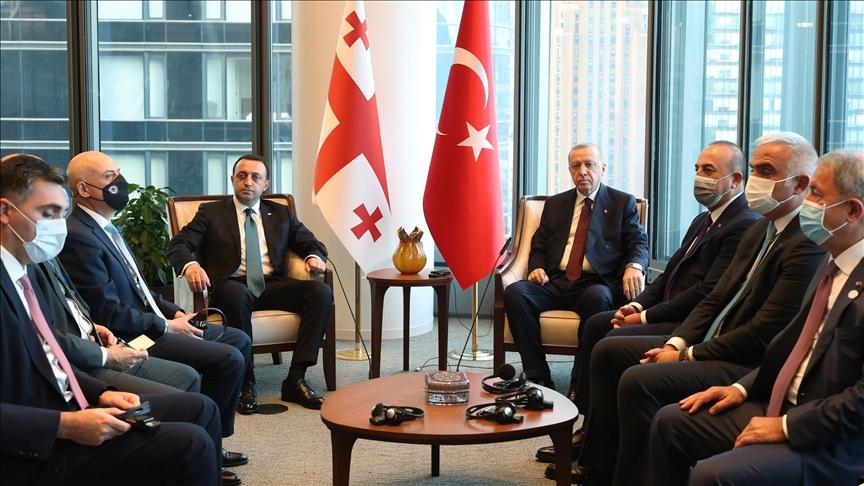 Cumhurbaşkanı Erdoğan, Gürcistan Başbakanı Garibaşvili ve Ukrayna Devlet Başkanı Zelenskiy ile görüştü
