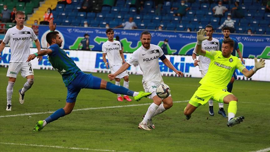 Altay, deplasmanda Çaykur Rizespor'u 2-1 yendi