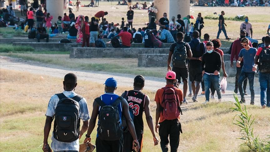 HRW'den ABD'nin Haitili göçmenlere kırbaçlı müdahalesine tepki