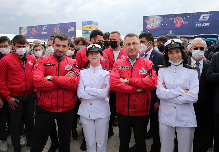 Cumhurbaşkanı Yardımcısı Oktay: Savunma sanayinde paradigmaları yıkarak yeni konseptler geliştiren bir Türkiye var
