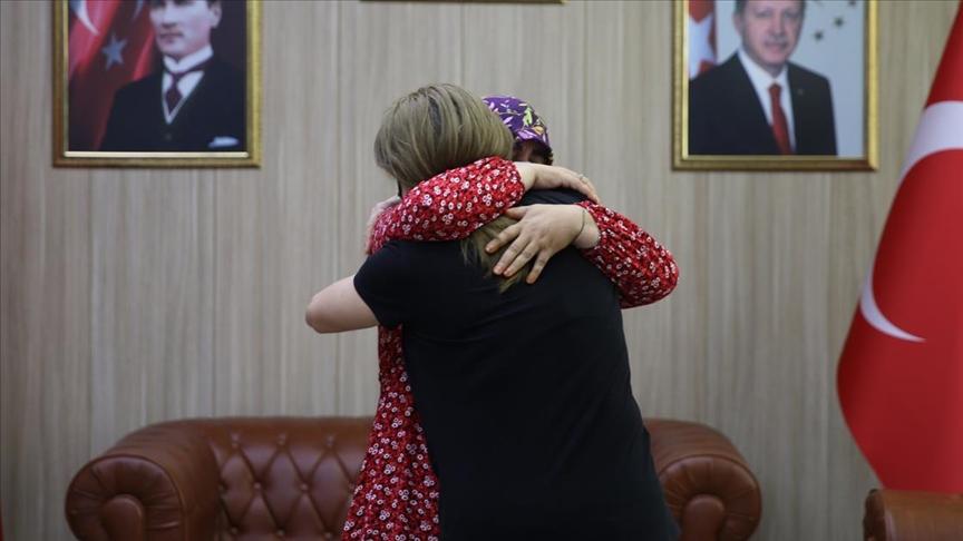 İkna sonucu teslim olan kadın terörist Mardin'de ailesiyle buluştu