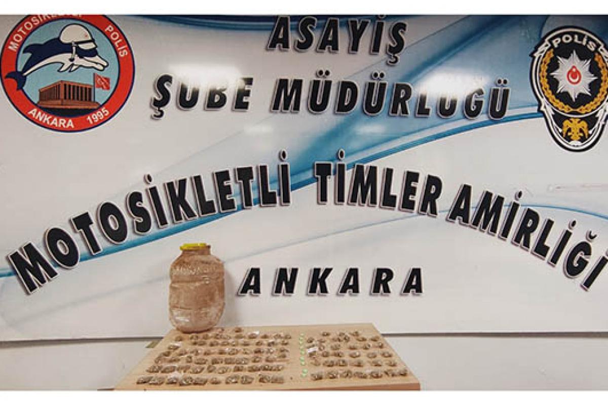 Başkent'te 32 paket satışa hazır halde uyuşturucu madde ele geçirildi