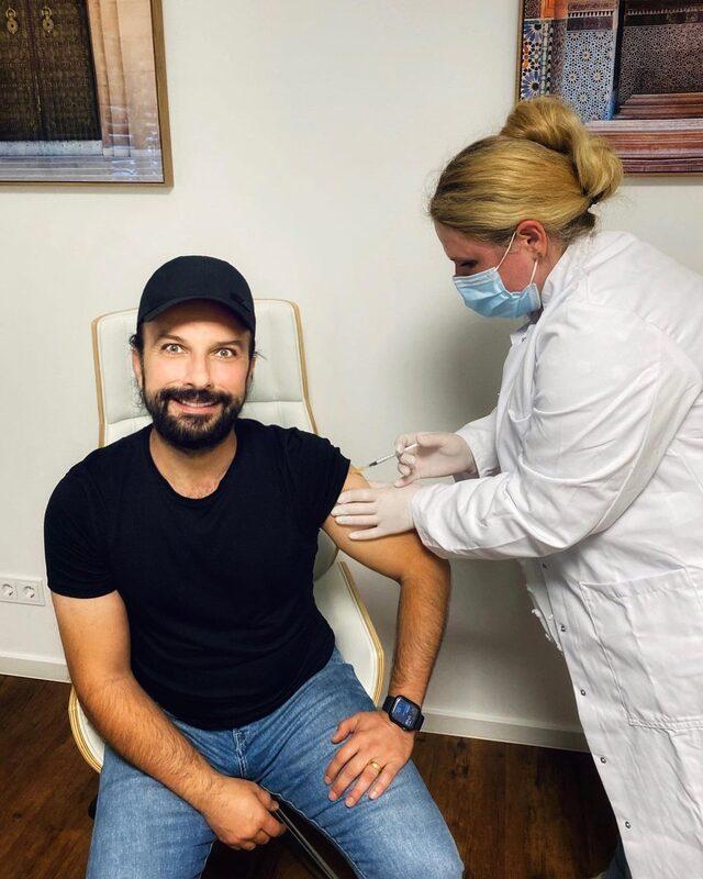 Tarkan, ikinci doz koronavirüs aşısını oldu