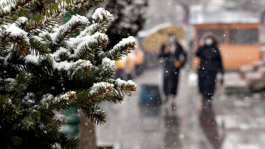 Doğu Anadolu'da gök gürültülü sağanak ve kar bekleniyor