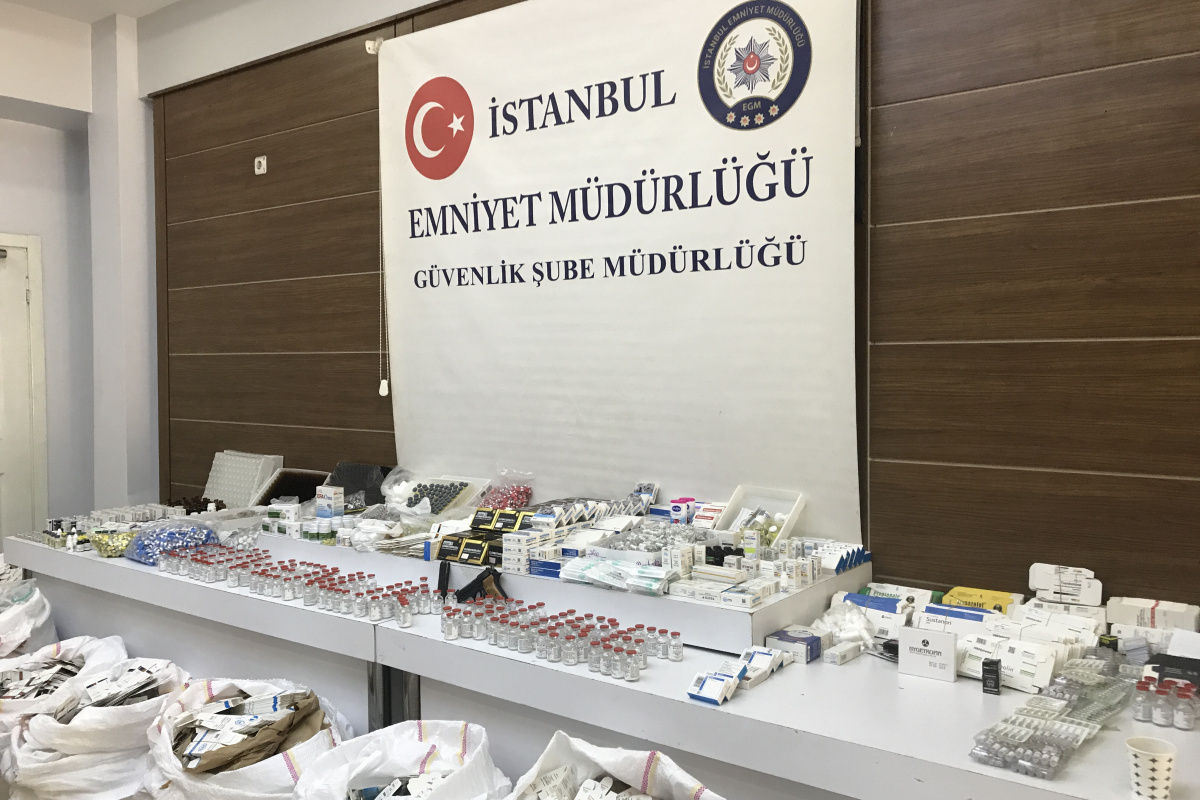 İstanbul'da sahte Covid-19 ilaç operasyonu: 4,5 milyon TL'lik sahte ilaç ele geçirildi