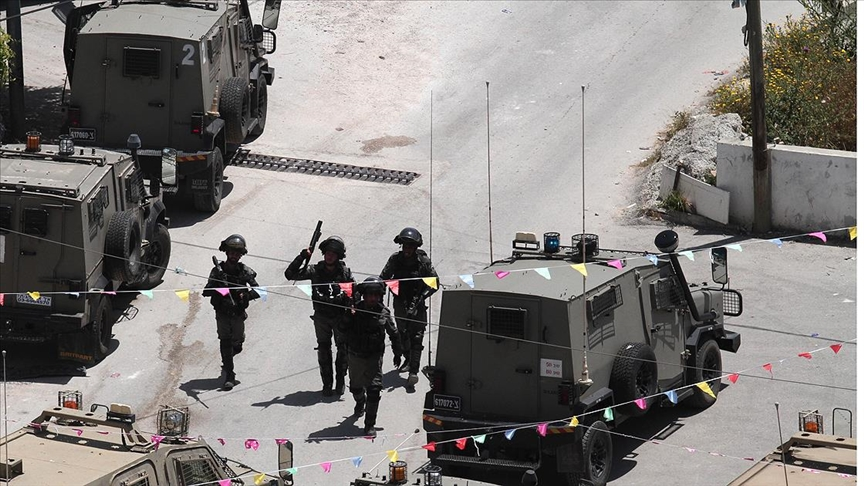Batı Şeria'da İsrail güçlerinin gözaltı baskınlarında çıkan çatışmalarda 4 Filistinli hayatını kaybetti