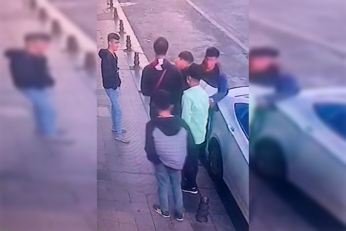 Beyoğlu'nda organize yankesicilik: 5 kişi turistin telefonunu çaldı